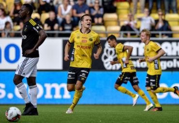160925 Elfsborgs Viktor Prodell jublar efter 1-2 under fotbollsmatchen i Allsvenskan mellan Elfsborg och AIK den 25 september 2016 i BORS. Foto: Jšrgen Jarnberger / BILDBYRN / Cop 112
