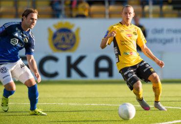 150830 Elfsborgs Simon Hedlund under en fotbollsmatch i Allsvenskan mellan Elfsborg och Sundsvall den 30 augusti 2015 i Borås. Foto: Jörgen Jarnberger / BILDBYRÅN / Cop 112