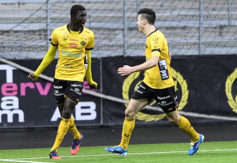 161022 Elfsborgs Marokhy Ndione och Mattias Özgün jublar efter 2-1 under en fotbollsmatch i U19 slutspelet mellan Elfsborg och Hammarby den 22 oktober 2016 i Borås. Foto: Jörgen Jarnberger / BILDBYRÅN / Cop 112