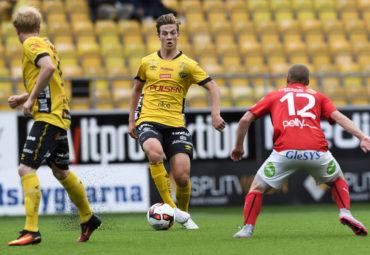 160918 Elfsborgs Simon Olsson under fotbollsmatchen i Allsvenskan mellan Elfsborg och Falkenberg den 18 september 2016 i BORS. Foto: J…RGEN JARNBERGER / BILDBYRN / Cop 112